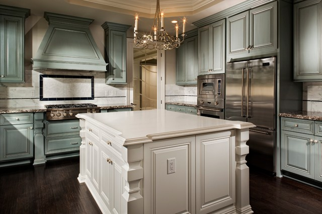 Kitchen cabinet styles south florida for Traditional kitchen cabinet colors