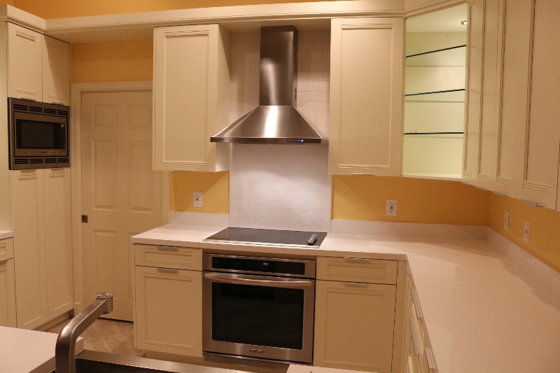 Best Kitchen Remodeler in South Florida white kitchen